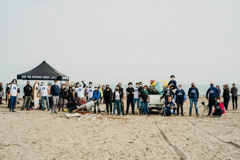 seay sea shepherd plastic free teams beach clean up marina porto caleri